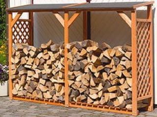 Почему камин надо топить сухими дровами