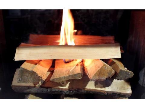 Видео растопки печи-камина с водяным контуром.